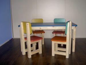W_stoeltjes_tafel_gekleurd
